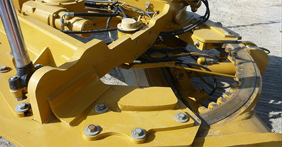 Motor grader inspection tips from Ritchie Bros. and IronPlanet.