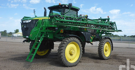2014 John Deere R4038 sprayer sold by Ritchie Bros.